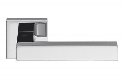 Poignée de porte Ellesse en chrome poli sur rosette Studio Bartoli pour Colombo Design
